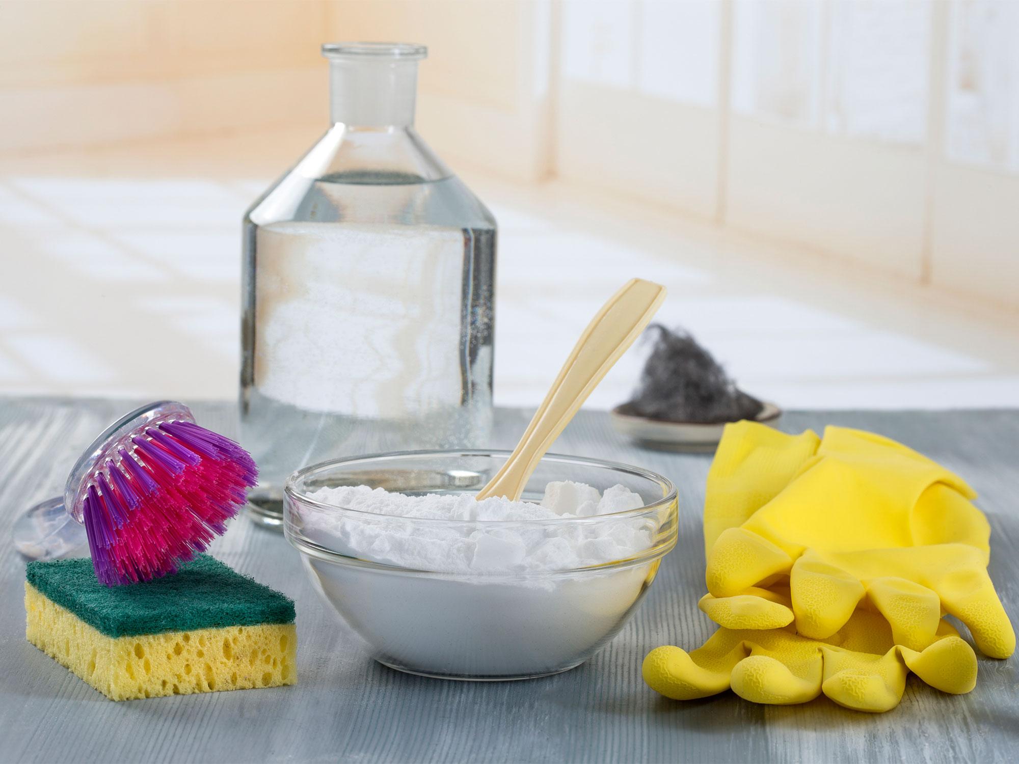 уксус с содой может удалить старые жирные пятна