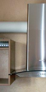 вытяжка с отводом на кухню