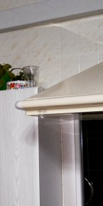 вытяжка с отводом для небольшой кухни