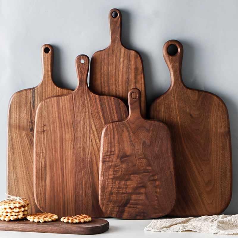 набор деревянных досок для кухни