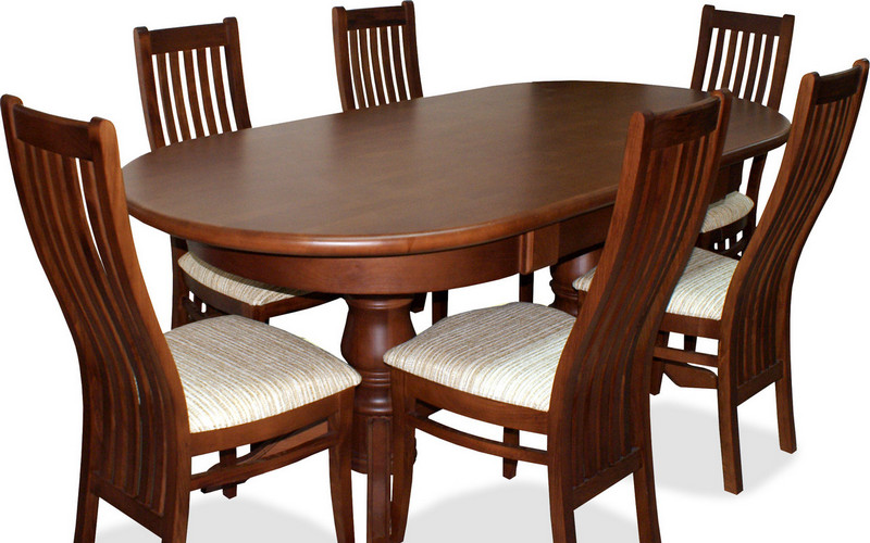 темный обеденный стол из бука