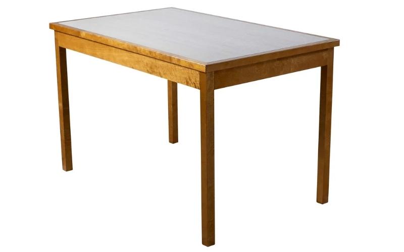 красивый обеденный стол из березы
