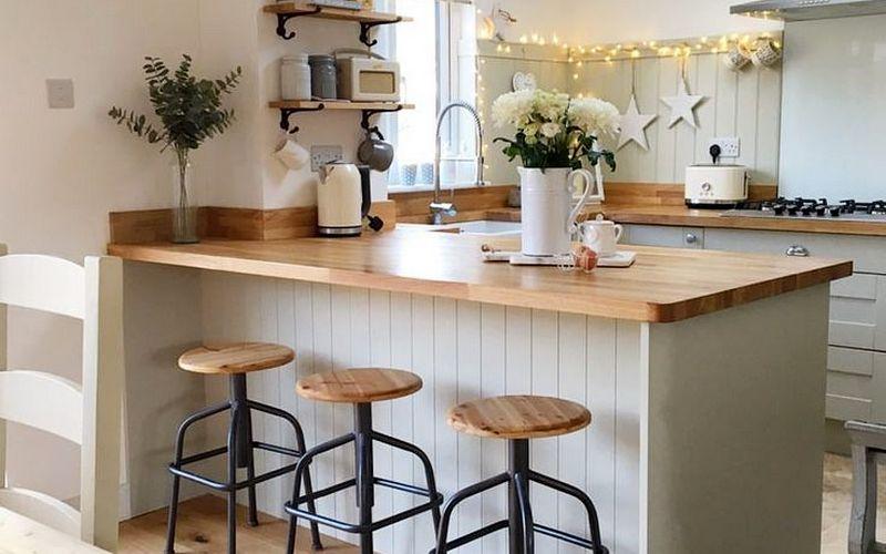 барный стол на просторной кухне