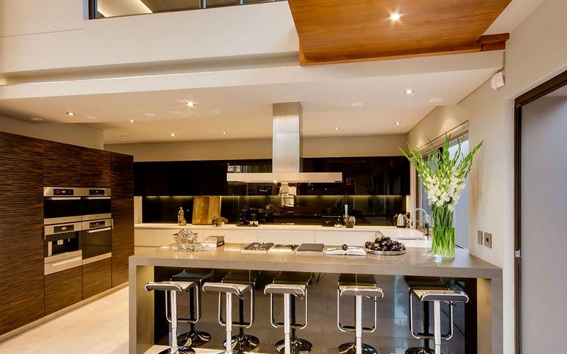 Барная стойка-стол на кухне