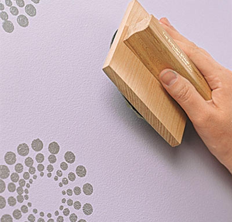 штампы на стене