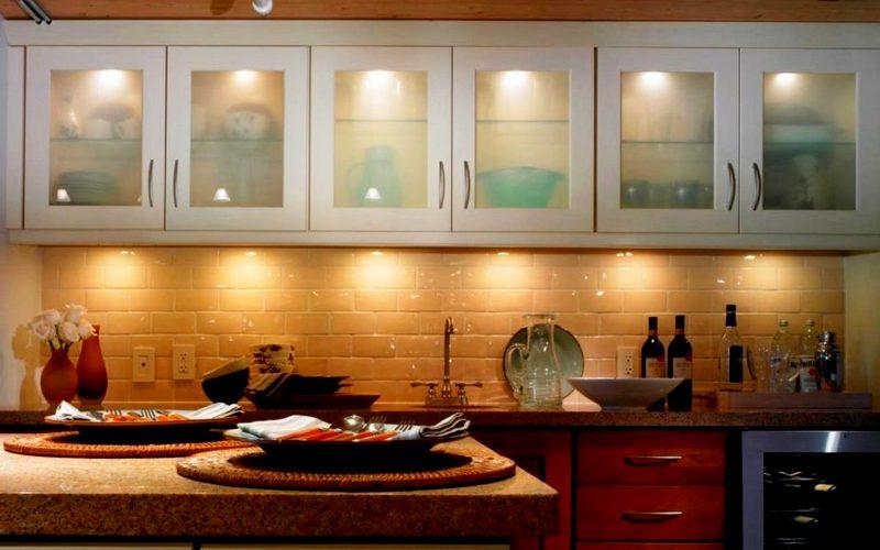 освещение для шкафов в гарнитуре