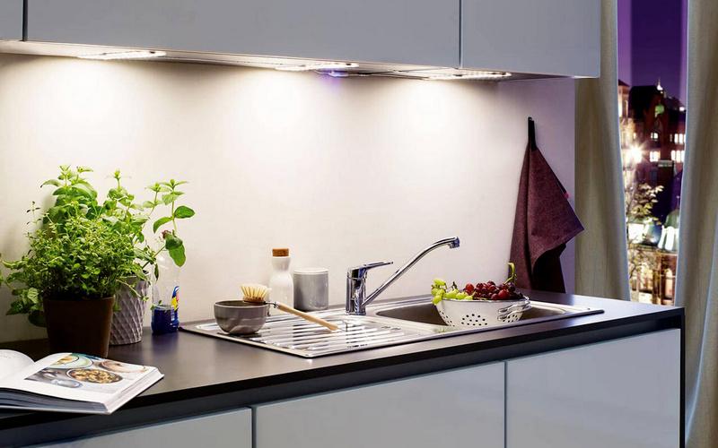 подсветка под шкафом для кухни