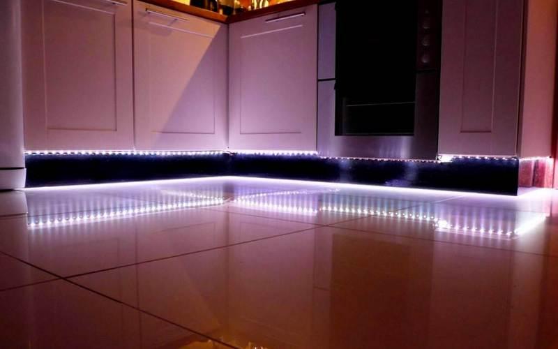 светодиодная лента на кухне