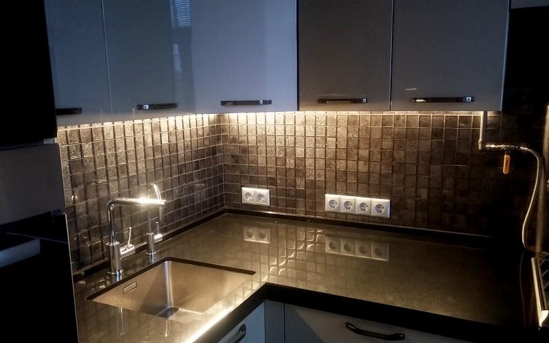освещение светодиодной лентой на кухне