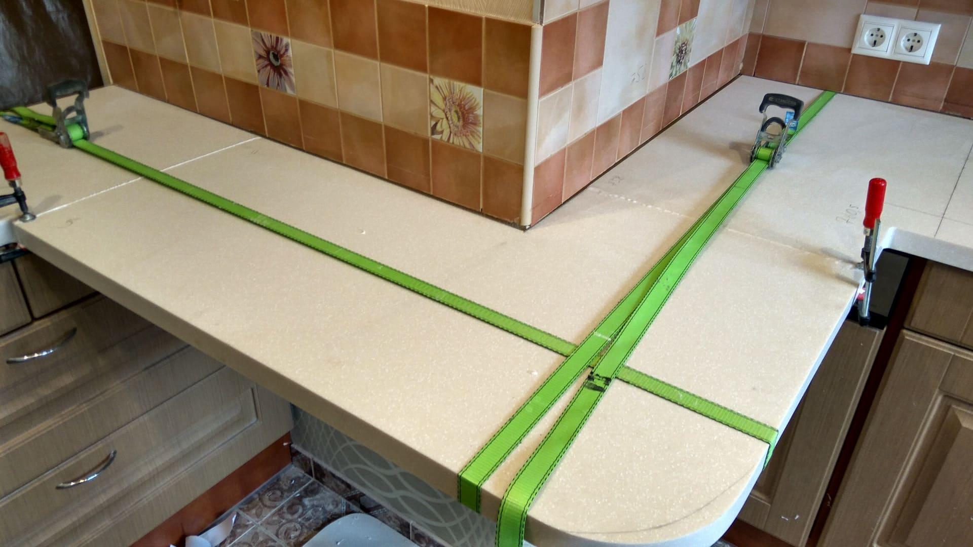 до установки плитки важно ровно установить основание