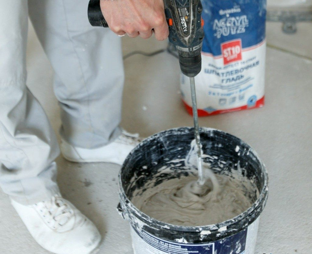 подготовка клеевой смеси для установки керамогранита
