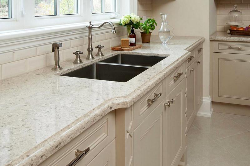 фото белой кварцевой столешницы для кухни