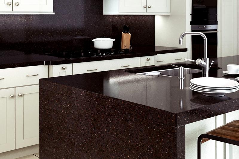 фото темной кварцевой столешницы для кухни