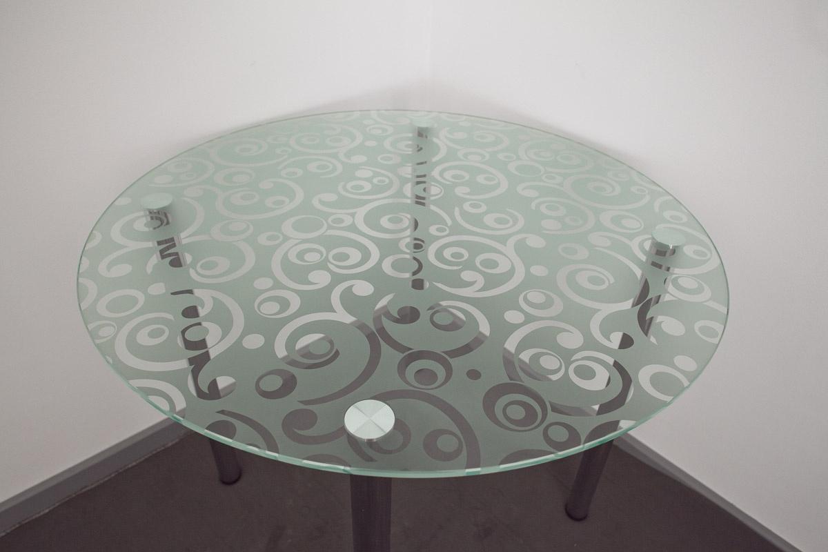 стеклянная столешница с нанесенным рисунком