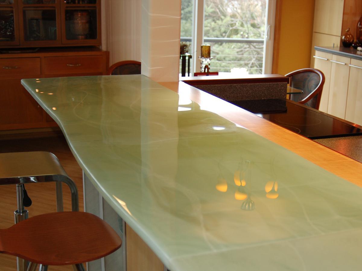 стеклянная столешница кухонная
