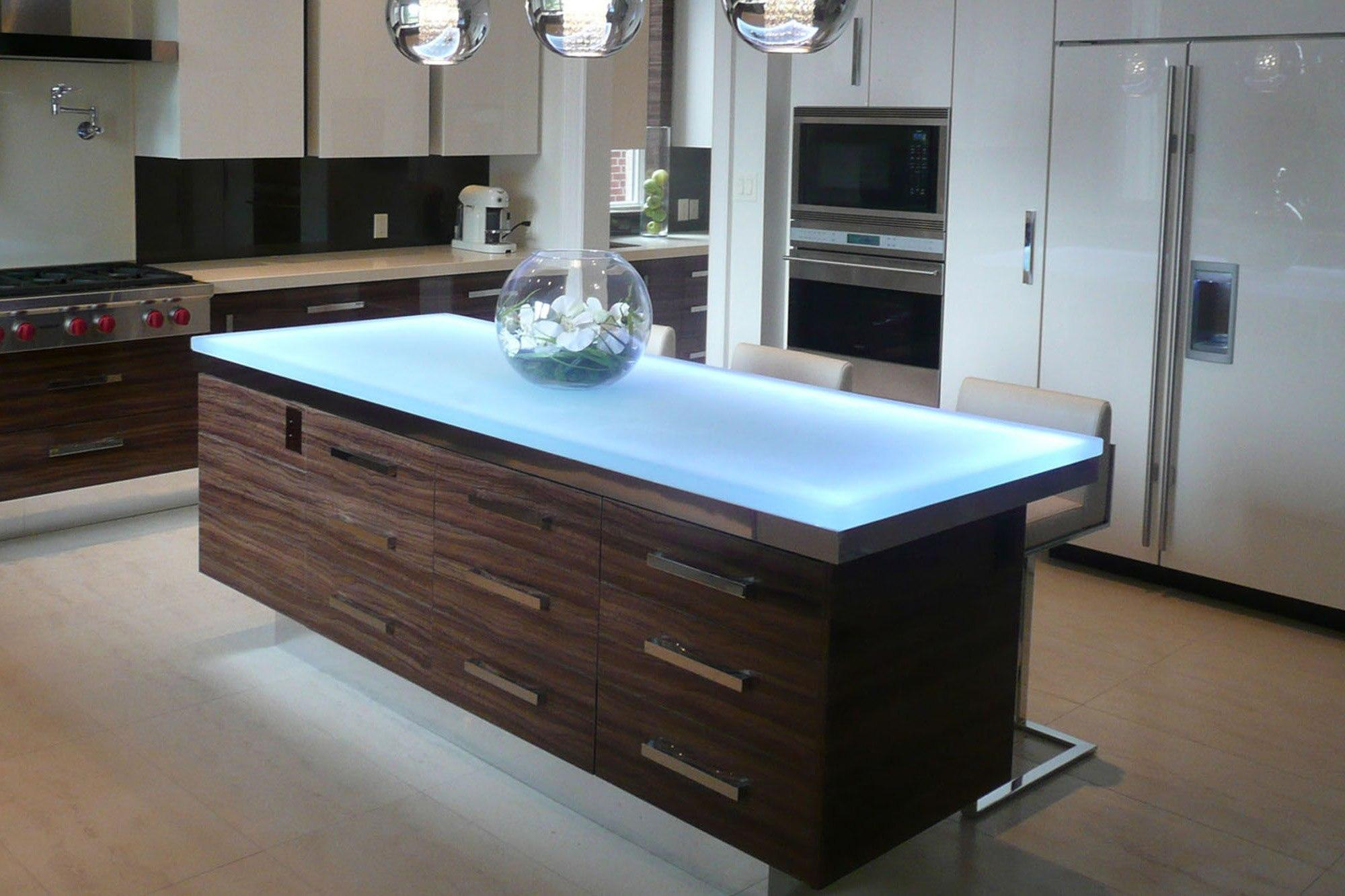 стеклянный стол для кухни с подсветкой