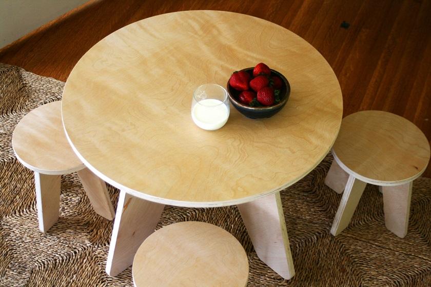 Круглый столик из фанеры