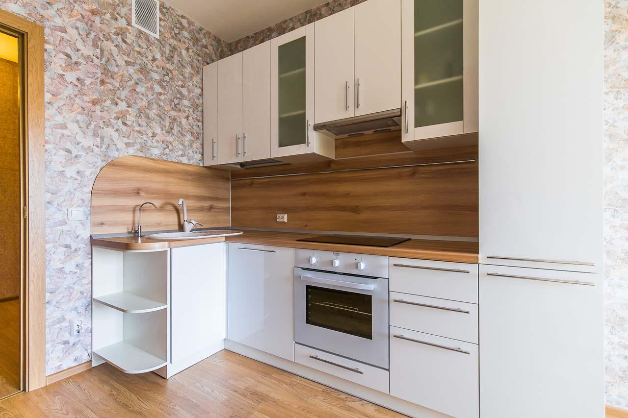влагостойкая столешница в кухонном интерьере
