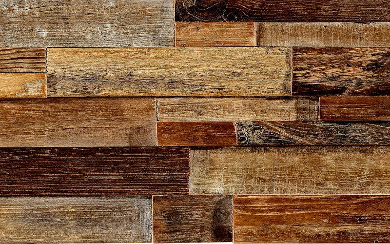 Мозаика для кухни с деревянными элементами