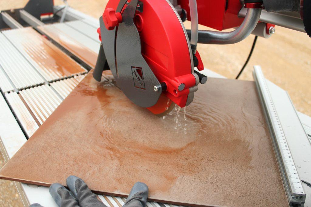 плиткорез для керамогранита с подачей воды
