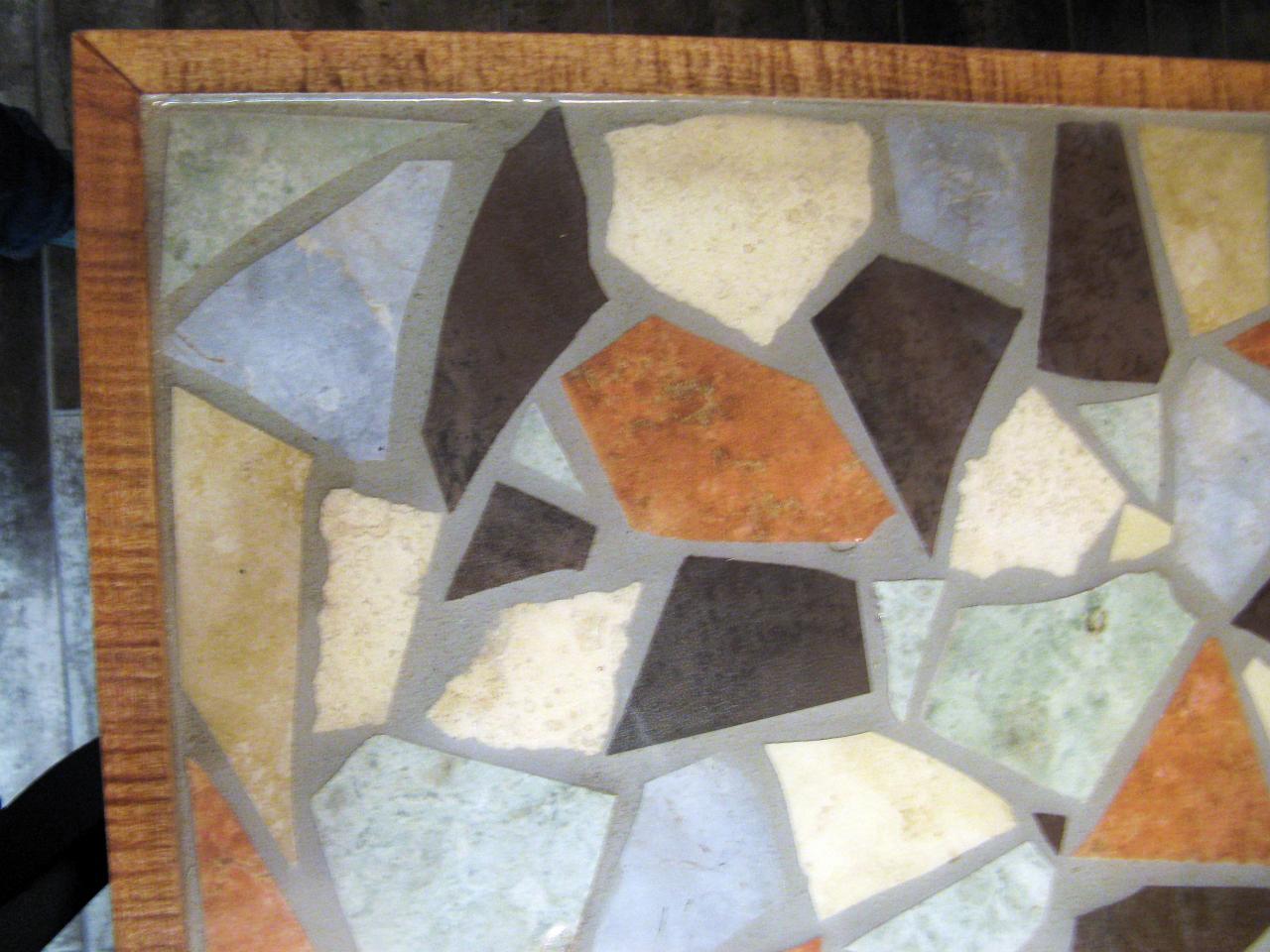 Столешница из остатков керамогранитной плитки