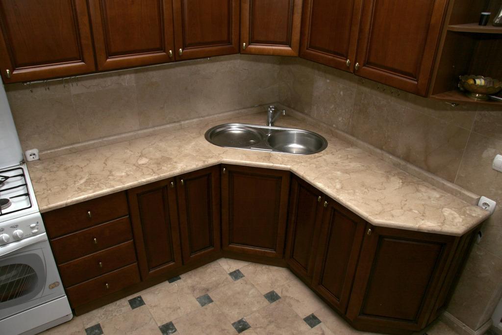 мраморная столешница для кухни угловая
