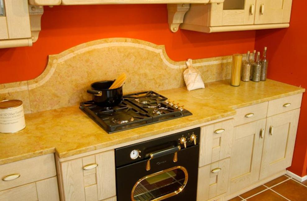 мраморная столешница для кухни золотая